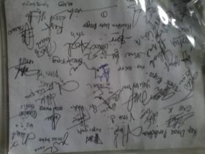 Kumpulan tanda tangan teman-teman