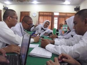Suasana diskusi di kelas