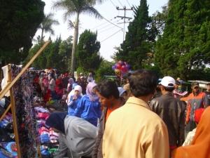 Suasana Pasar kaget lembang