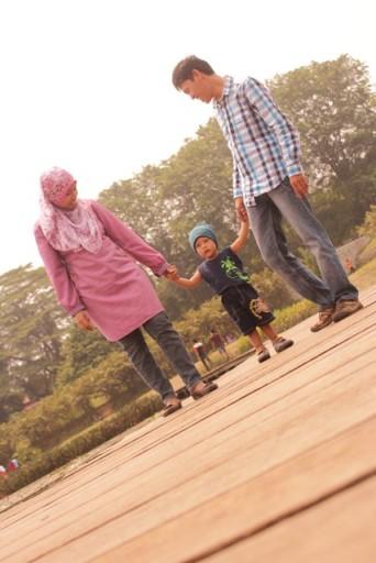 Kasih sayang dari kedua orang tua sangat berperan dalam pembentukan karakter