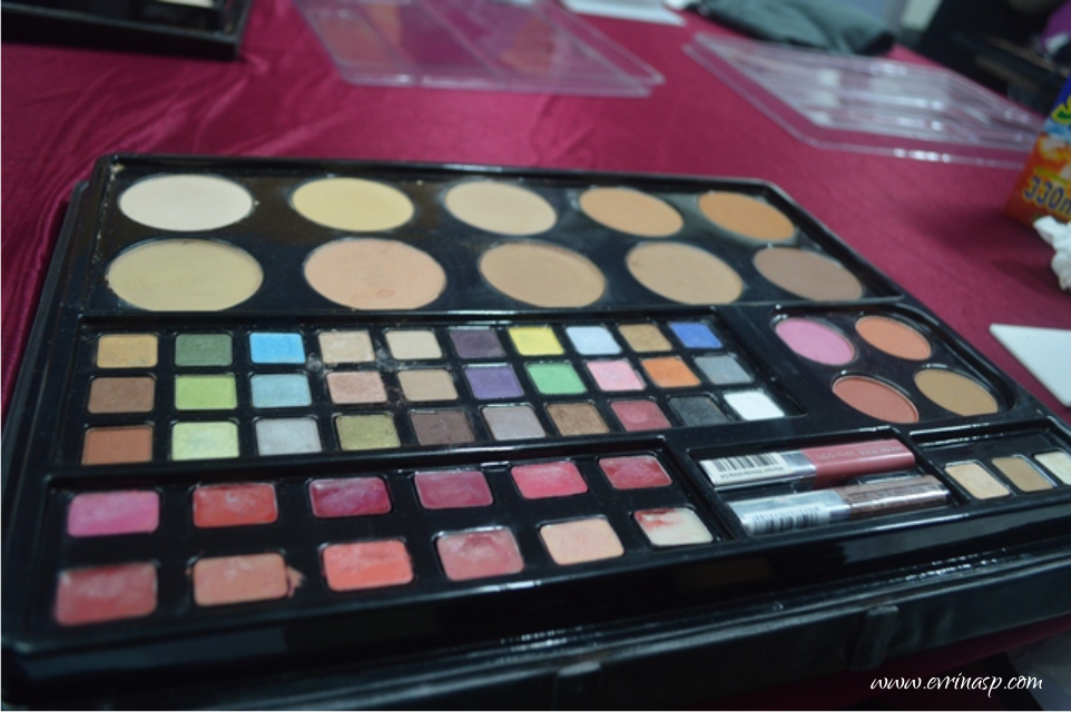 Wardah Makeup Kit Professional Review Saubhaya Makeup